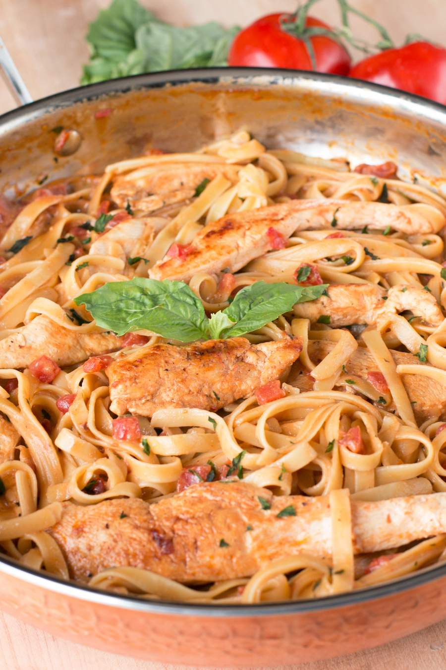 How To Make Tomato Basil Chicken Pasta