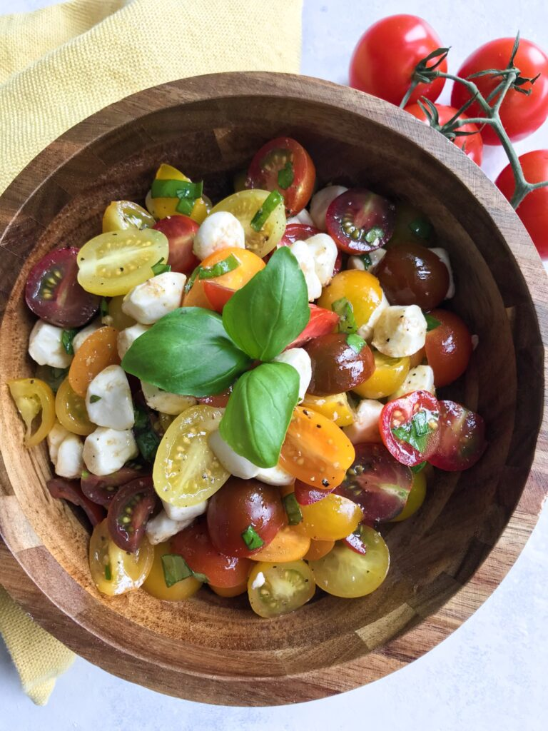 balsamic tomato mozzarella salad
