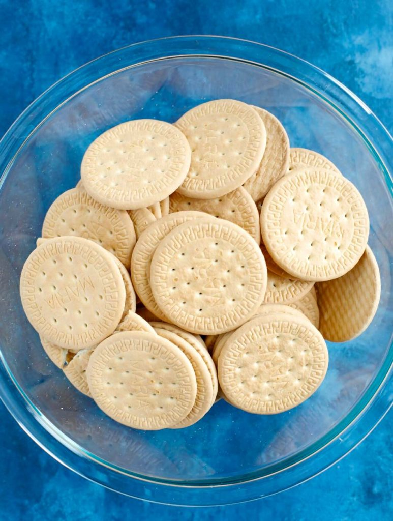 Tea biscuits in a bowl