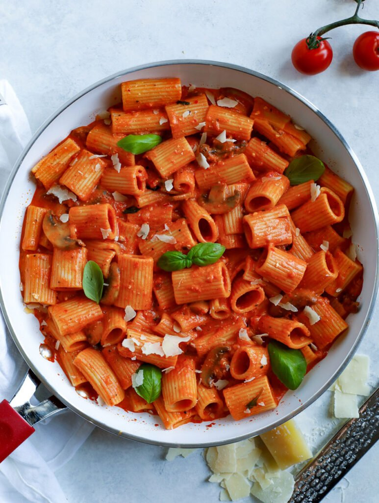 top down shot o f creamy red pepper rigatoni pasta