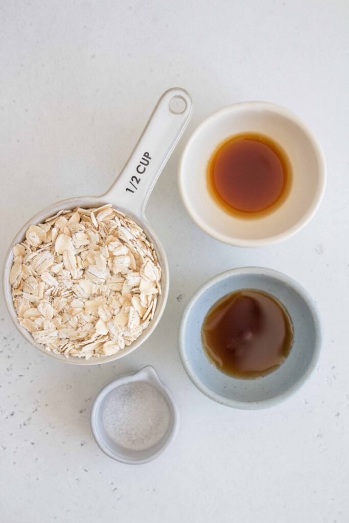 oat milk ingredients: oats, maple syrup, vanilla extract