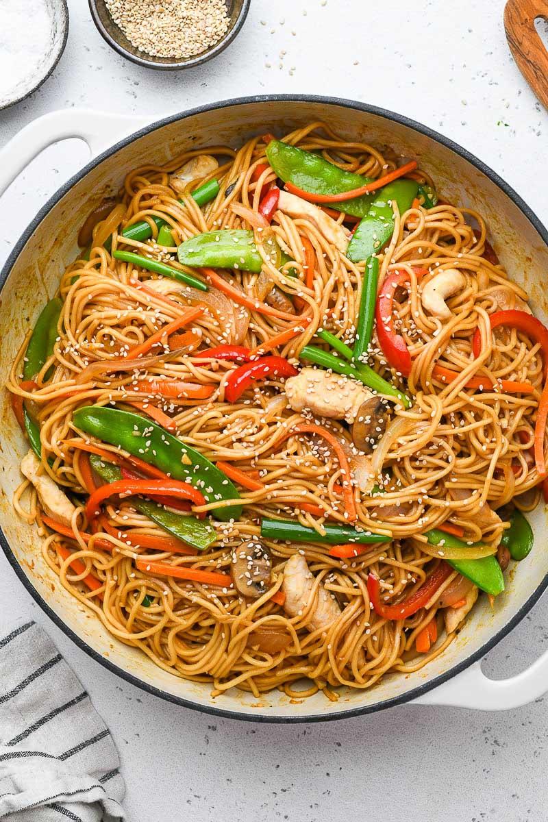 final shot of chicken lo mein in a skillet