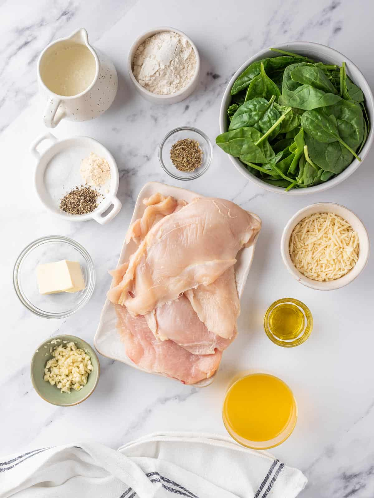 ingredients of the creamy chicken florentine laid out